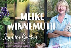 Meike liest im Garten ...
